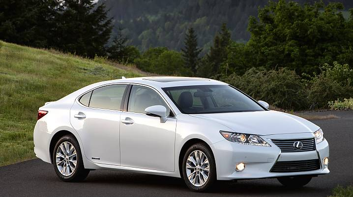 First Drive 2013 Lexus ES300h, the Lux MPG GOD