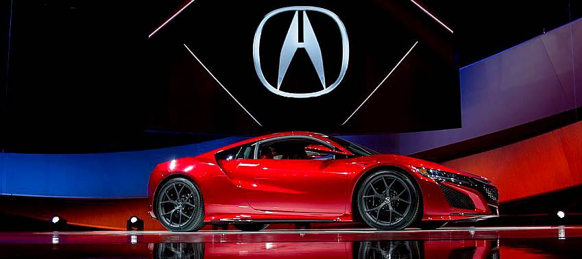 Video – 2016 Acura NSX Hybrid Stunts at NAIAS