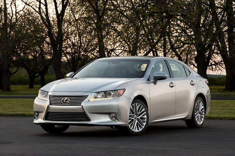 First Dive – 2015 Lexus ES350 Reimagines Luxury w Spunk