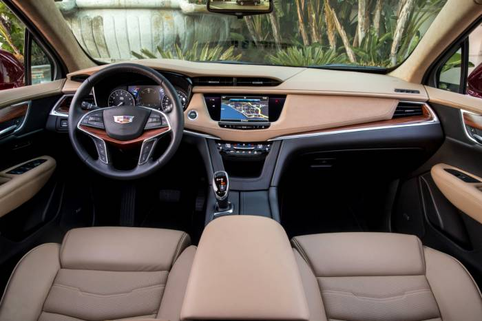 2017 Cadillac XT5 New Lux Crossover with 300 hp | UnRated Flair