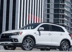 2018 Mitsubishi Outlander SE AWD and Outlander Sport SEL AWC, Distant Cousins Could Battle in Segment